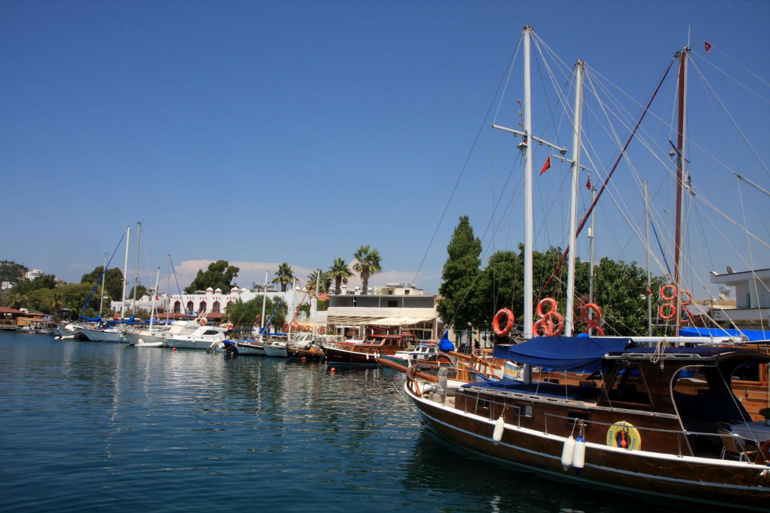 Yal�kavak Otelleri