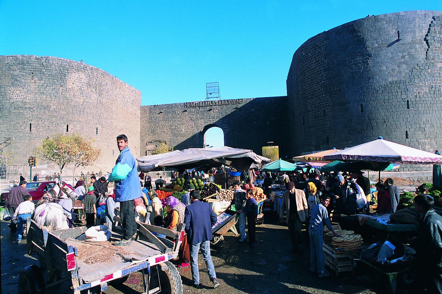 Diyarbak�r Gezilecek Yerler