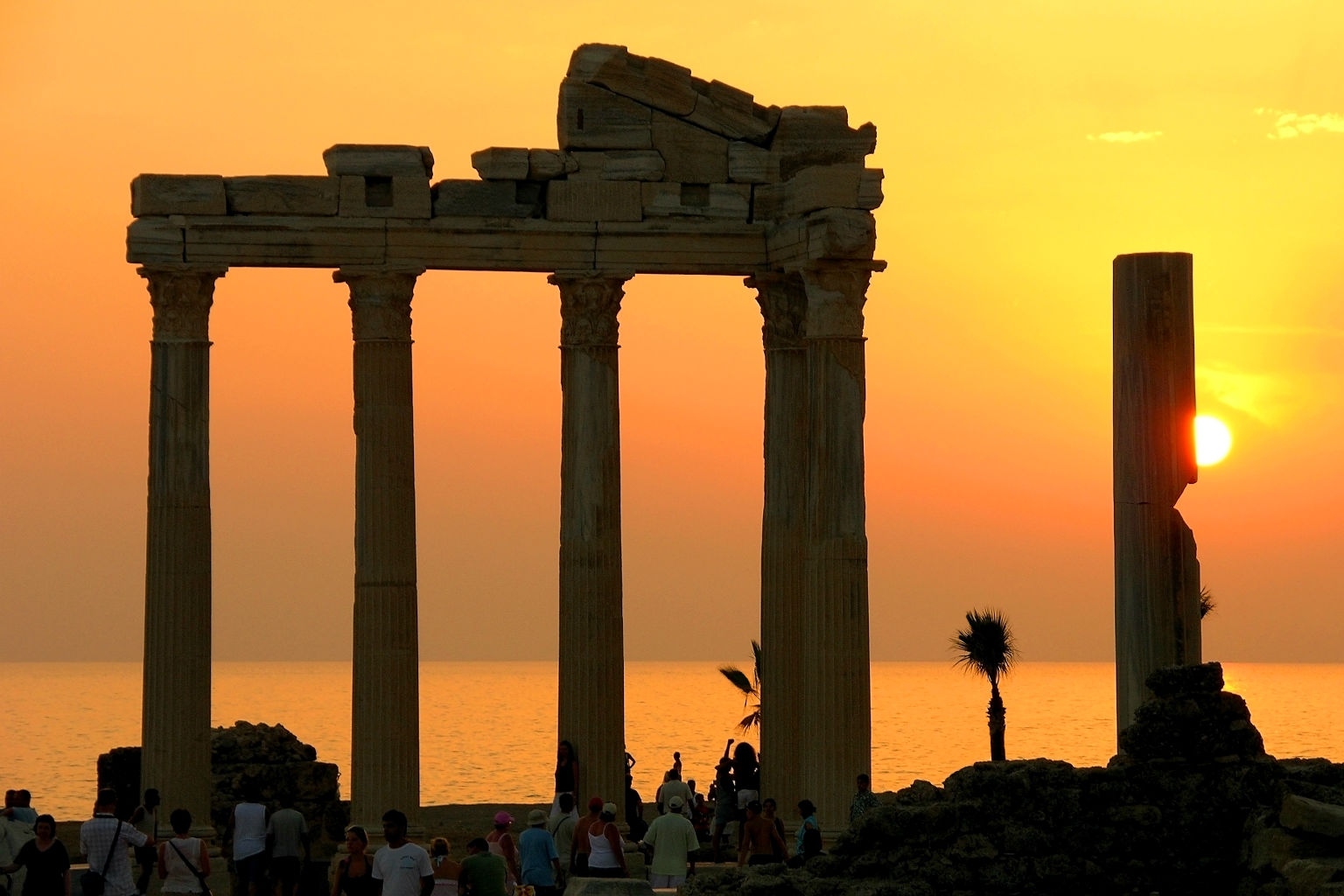 Side Hotels and Side Hotel Reviews