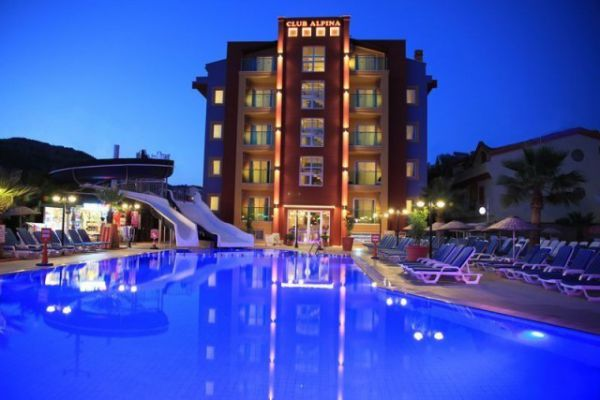 Club Alpina Apart Otel