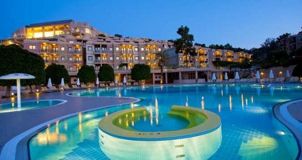 Hilton Bodrum T�rkb�k� Resort Spa