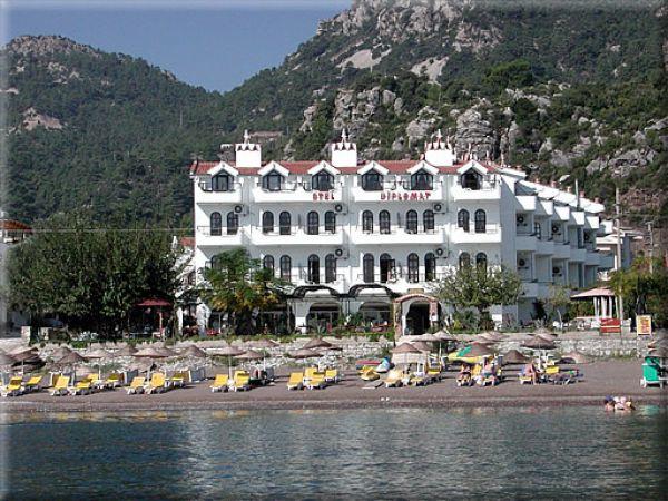 Diplomat Hotel And Aparts
