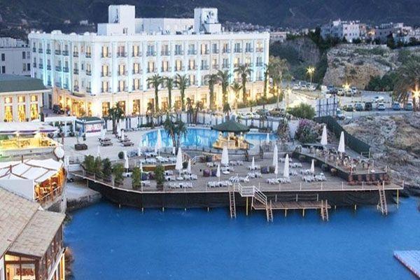 Rocks Hotel Casino