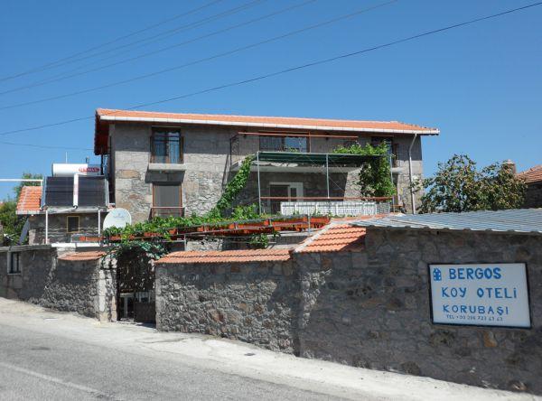 Bergos K�y Oteli