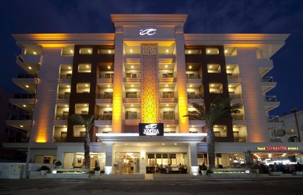 Xperia Grand Bal� Hotel