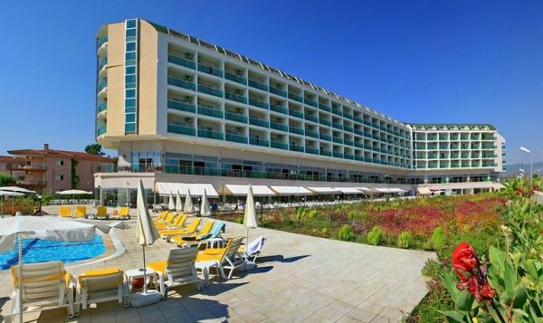 Hedef Beach Resort & Spa