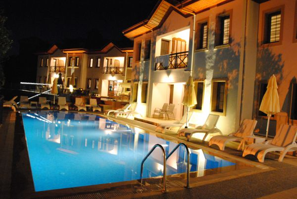Saranda Club Otel