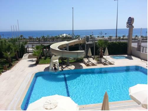 Hotel Pera Beach