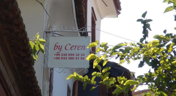 By Ceren Butik Otel