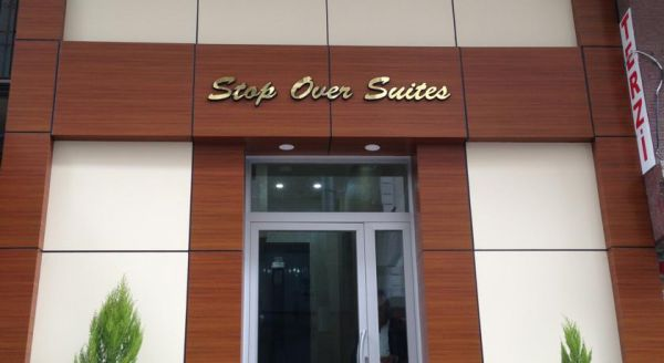 �stanbul Airport Stop Over Suits