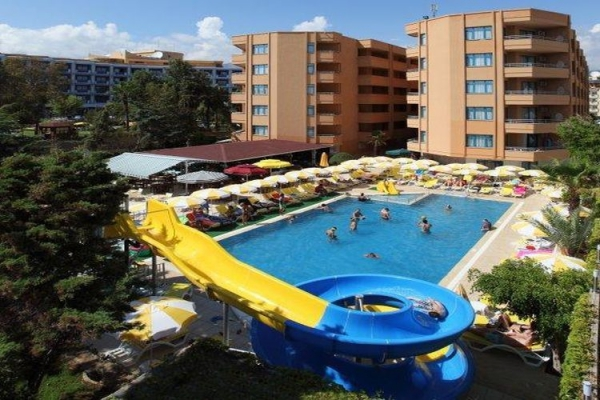 �nc�l Beach Hotel