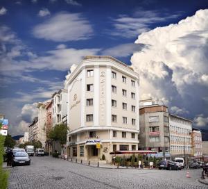 Arden Hotel Emin�n�