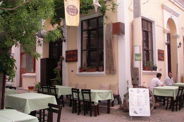 Bozcaada restoranları yemek yenilecek yerler