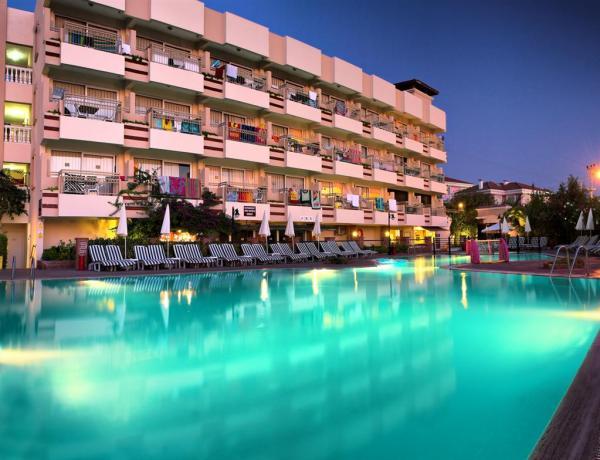 Hotel Carina Ku�adas�