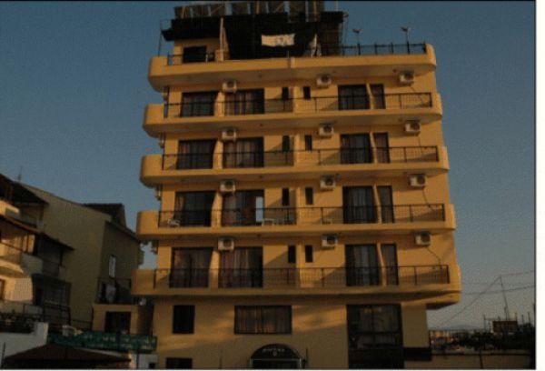 Ku�adas� Inn