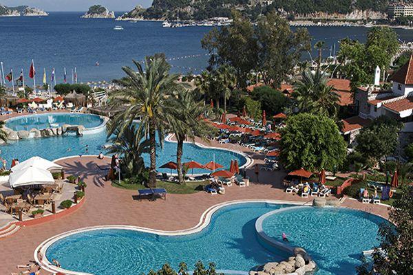 Mart� Resort Deluxe Hotel