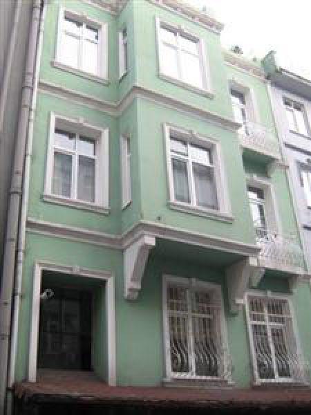 Metro Apart House